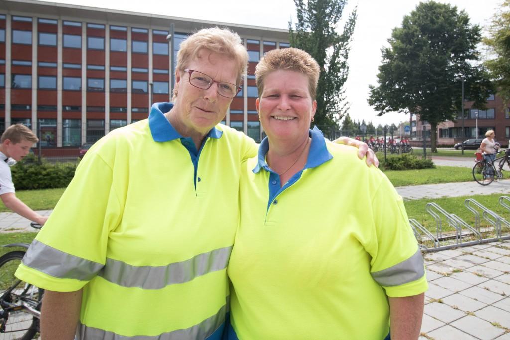 Toos van der Linden & Anita Gladdines (niet op de foto Corné Bolders, chauffeur)